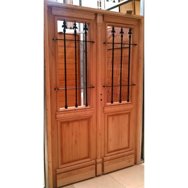 Portones de madera para exterior beautiful para jardin en for Puertas dobles de madera exterior