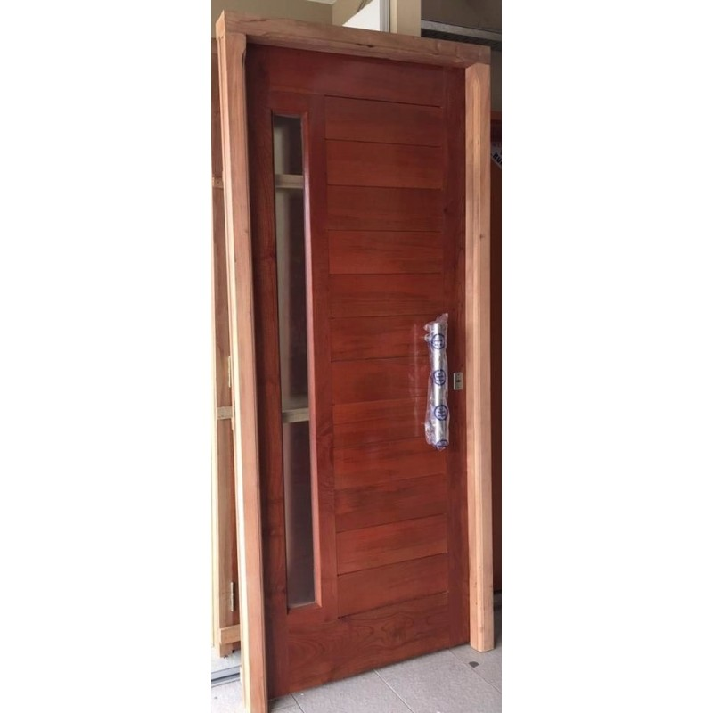 Puerta de madera exterior top puertas de madera exterior for Precio puerta madera exterior