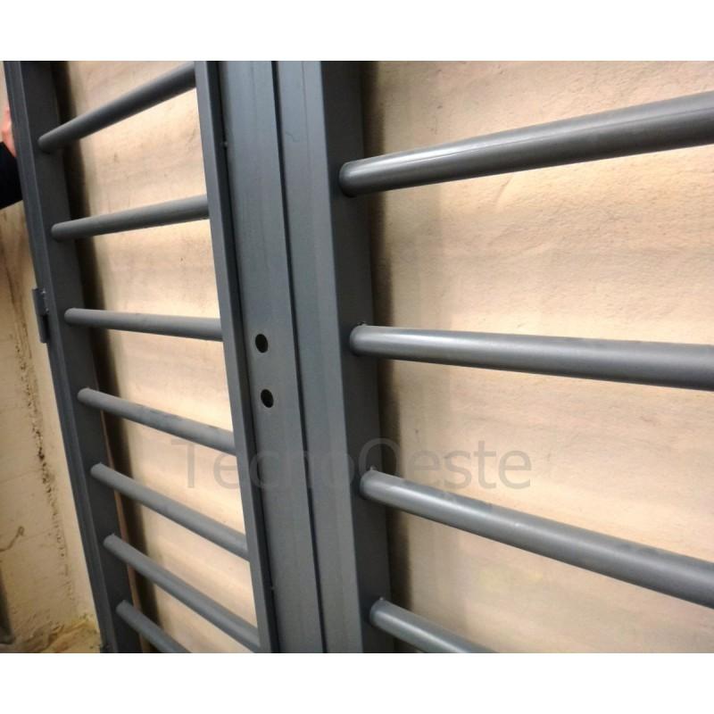 Puerta reja tubos horizontales 150x200 c marco c cerradura for Puertas de reja