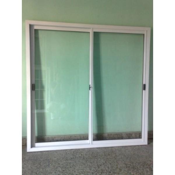 Ventana aluminio blanco 150x150 con vidrio for Como fabricar ventanas de aluminio