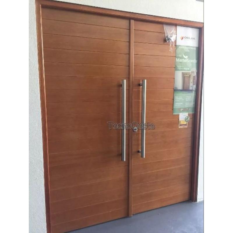 Puerta doble 2331 madera grandis oblak c 2 barrales for Puertas dobles de madera exterior